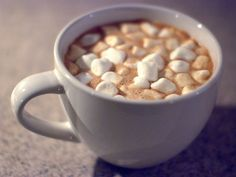 I got: Hot Cocoa ! What Kind Of Holiday Food Are You?