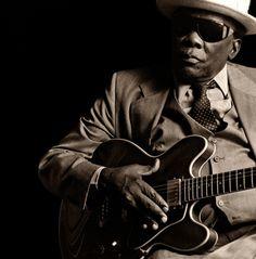 John Lee Hooker by Mark Sluder, love his music John Lee Hooker, Jazz Blues, Blues Music, Pop Music, Today In Black History, Delta Blues, Boogie Woogie, Its A Mans World, Motown