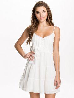 vita långa studentklänningar