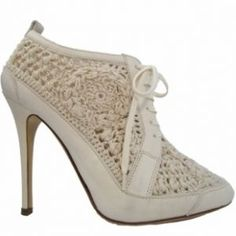 Inspired by colonial fashion - myLusciousLife.com - Ralph Lauren Spring 2012 Shoes.jpg