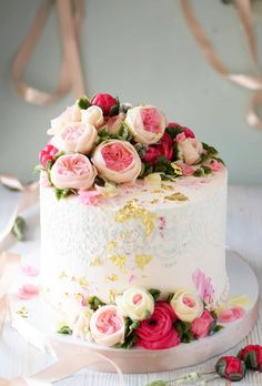 Small Wedding Cakes With Big Style ★ small wedding cakes floral wedding cake malinovka online Fruit Wedding Cake, Small Wedding Cakes, Floral Wedding Cakes, Wedding Cakes With Flowers, Floral Cake, Beautiful Wedding Cakes, Gorgeous Cakes, Wedding Cake Designs, Flower Cakes