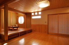 奈良県橿原市・木の家・秦建築(モデルハウス)リビングに小上がりの本格畳スペース