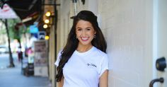 Chloe Coscarelli is the vegan everyone loves to love. Her enthusiasm for good food has earned her a legion of fans from both her win on the TV show Cupcake Wars and her popular New York City