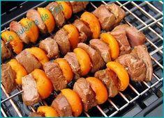 """750g vous propose la recette """"Brochettes de magret de canard aux abricots"""" publiée par pasteua."""