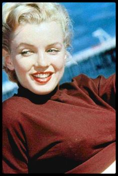 Marilyn Monroe Gif, Cinema Tv, Norma Jeane, Diamond Are A Girls Best Friend, Portrait Photo, Old Hollywood, American Actress, Movie Stars, Singer