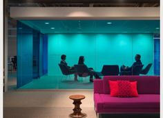 COLORED GLASS   Shaw Contract Group | Design Award 2012 - Perkins + Will