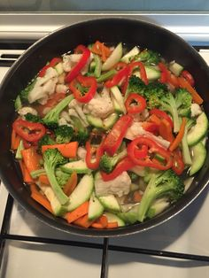 Çılgın sebzeler sakın haşlamayın biraz su ve istediğiniz baharatlarla kendi buharında pişirin ki vitaminler kaçmasın sizden