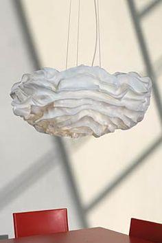 Suspension fleur de tissu plissé blanc Nevo. Arturo Alvarez.
