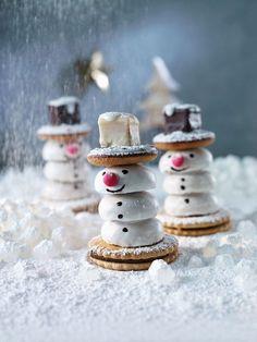 Keks-Schneemänner bauen | http://eatsmarter.de/rezepte/keks-schneemaenner-bauen: