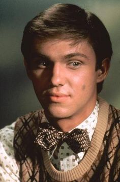 Oh John Boy. (Richard Thomas is in his 60's now and still looks the same!)
