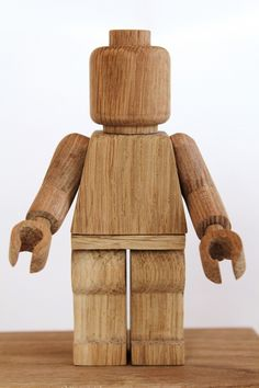 A wooden art toy of the LEGO-figure made by Thibaut Malet, who has only made 20 copies! #lego #danishicons