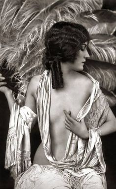 Alice Wilkie (not Gloria Swanson), Ziegfeld Model Risque, by Alfred Cheney Johnston, 1920.