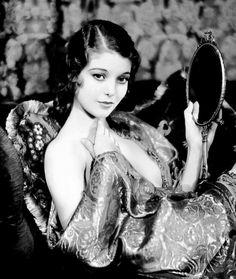 Loretta Young, 1932