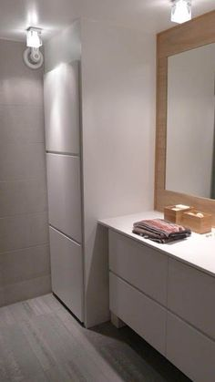 Washing machine and dryer hidden behind closet doors Washing machine Laundry Room Doors, Laundry Room Bathroom, Narrow Bathroom, Closet Doors, Bathroom Storage, Modern Bathroom, Natural Bathroom, Bad Inspiration, Bathroom Inspiration