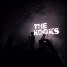 Imagem de band, grunge, and the kooks Music X, Music Wall, Indie Music, Music Bands, Post Punk Revival, Music Collage, Julian Casablancas, The Kooks, Band Posters