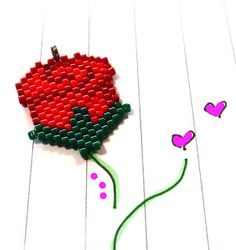FREE red rose bead pattern. Peyote/Brick Stitch beadweaving for Mother's Day.