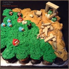 Angry Birds cupcakes from Precious Sweetz.. >>me