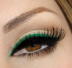 Give Your Eyes a POP of Color! green eyeliner on top of black eyeliner - wanna learn how to apply extremely long false temp eyelashes!