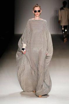 Trendy fashion week mercedes benz berlin ideas - Women's style: Patterns of sustainability Kimono Fashion, Modest Fashion, Hijab Fashion, Trendy Fashion, Fashion Outfits, Womens Fashion, African Print Fashion, African Fashion Dresses, Ankara Fashion