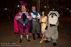 Information about Pocahontas () and pictures of Pocahontas including where to meet them and where to see them in parades and shows at the Disney Parks (Walt Disney World, Disneyland, Disneyland Paris, Tokyo Disneyland) Parc Disneyland Paris, Tokyo Disneyland, Disney Parks, Walt Disney World, Disney Visa, Pocahontas, The Dreamers, Pixie, Disney Characters