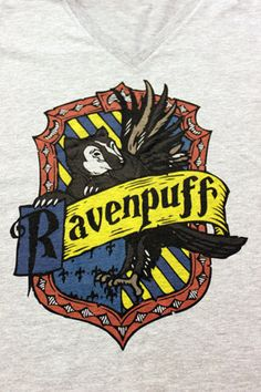 https://www.etsy.com/fr/listing/180831708/harry-potter-ravenpuff-croix-maison?ga_order=most_relevant