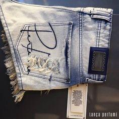 """""""Shorts jeans para você curtir o carnaval com estilo! #lancaperfume #lpsummer16  Vários modelos lindos disponíveis na nossa loja virtual…"""""""