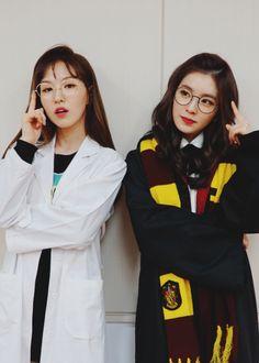 Red Velvet Wendy and Irene