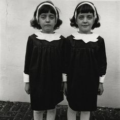 Diane Arbus, Identical Twins, New Jersey, 1967 ©