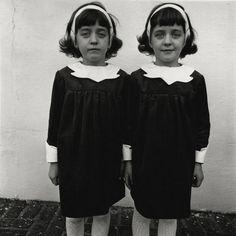Diane Arbus, Identical Twins, New Jersey, 1967 ©