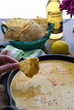 Me encantan los nachos con queso y he probado muchas salsas hasta dar con una que me ha encantado. Una salsa sencilla de preparar y per...