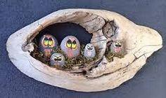 Resultado de imagen para maderas con piedras pintadas