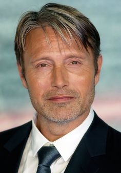 """fysw: """"Mads Mikkelsen at the Rogue One premiere on Tuesday night (December 13) at Tate Modern in London, England. """""""