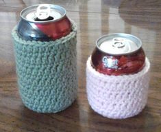 Can cozy for the 8 oz can and the 12 oz can. Free pattern.