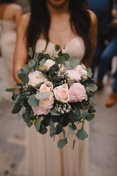 Wedding flowers. Wed