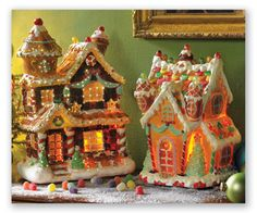 Make-your-own Gingerbread House! Kits for making your own gingerbread house are a lot of fun! Gingerbread House Parties, Gingerbread Decorations, Christmas Gingerbread House, Gingerbread Man, Christmas Home, Christmas Decorations, Christmas Villages, Christmas Ideas, Xmas