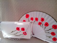Bolso y abanico hecho y pintado a mano Vintage Fans, Hand Fans, Beautiful Hands, Workshop, Crafts, Painting, Inspiration, Art, Photo Gallery Walls
