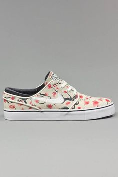 quality design bd6c5 a3deb Nike SB Cherry Blossom Pack Available