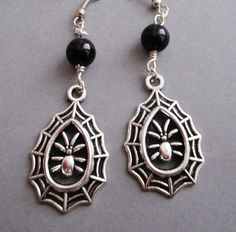 Gothic spider earrings - gothic jewelry - gothic earrings - goth - nu goth