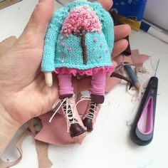 Knitted Dolls, Crochet Dolls, Knit Crochet, Crochet Hats, Little Cotton Rabbits, Doll Wardrobe, Doll Tutorial, Other Outfits, Doll Crafts