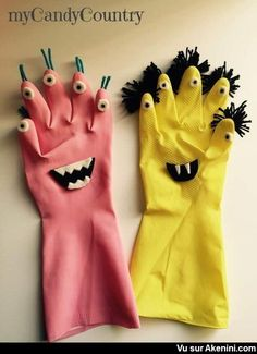 DIY Halloween Monster from Recycling Kids Halloween Rubber Gloves . - DIY Halloween Monster from Recycling Kids Halloween Rubber Gloves … – gloves - Humour Halloween, Diy Halloween, Halloween Crafts For Kids, Kids Crafts, Arts And Crafts, Rock Crafts, Halloween Nails, Vintage Halloween, Recycling For Kids