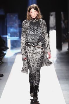 New York Fashion Week Otoño-Invierno 2017-18  Desigual 93955cc4334