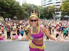 Cresta Metálica Producciones » Celebra el Día del Niño al Ritmo de Zumba Fitness con clase especial de Laura Caria