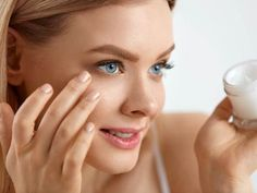 8 Useful Tips for Natural Flawless Makeup Look Beauty Tips For Girls, Beauty Tips In Hindi, Beauty Tips For Hair, Make Beauty, Natural Beauty Tips, Hair Care Tips, Natural Makeup, Beauty Hacks, Makeup Tips In Urdu