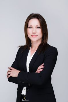 Female corporate headshot, Realtor, business women