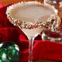 Sugar Cookie Martinis = the best way to get your family lit this Christmas. Get the recipe at Delish.com
