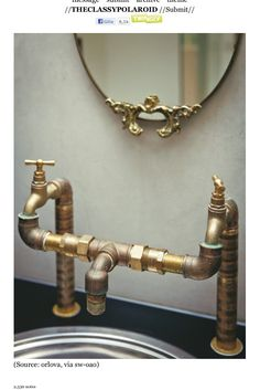 Unique Appartment brass plumbing used as a faucet Casa Steampunk, Steampunk Interior, Steampunk Home Decor, Steampunk Couture, Industrial Pipe, Industrial Style, Industrial Design, Brass Pipe, Industrial Bathroom