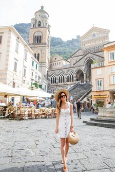 What To Pack For A Trip To Amalfi Coast New Travel, Italy Travel, Travel Style, Travel Fashion, Croatia Travel, Beach Travel, Paris Travel, Hawaii Travel, Amalfi Coast Italy
