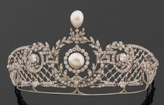 Marie Poutines Jewels & Royals: Impressive Pearl and Diamond Diadems