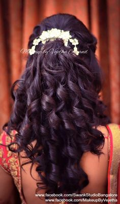 Trendy hairstyles indian bride hindus Ideas - New Site Saree Hairstyles, Open Hairstyles, Wedding Hairstyles For Long Hair, Bride Hairstyles, Hair Wedding, Bridesmaid Hairstyles, Brunette Hairstyles, Wedding Dinner, Straight Hairstyles