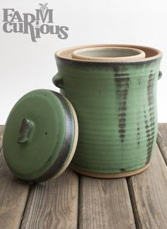 Premium Handmade Fermentation Crock A beautiful, hand-thrown ceramic fermenting crock to help you make your favorite fermented foods in style. Each piece is one-of-a-kind! Holds about gallons and is perfect for fermenting sauerkraut, dill pickles, fe Best Probiotic Foods, Fermented Foods, Fermentation Recipes, Canning Recipes, Kimchi, Fermented Sauerkraut, Sauerkraut Recipes, Root Veggies, Ceramic Pottery